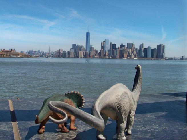 Dinos View the City 3