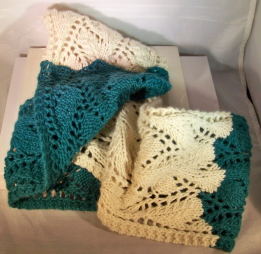 two-color-lace-cowl-3