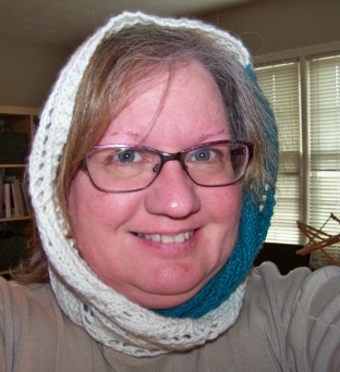 two-color-lace-cowl-5