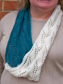 two-color-lace-cowl-6